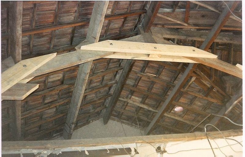 charpente sur construction ancienne charpente bois aix en provence. Black Bedroom Furniture Sets. Home Design Ideas