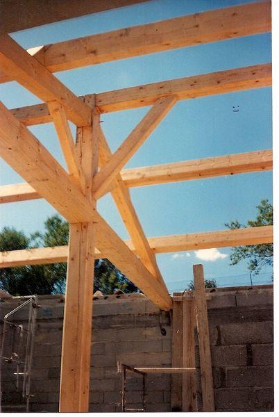 Charpente sur construction neuve charpente bois aix for Construction neuve